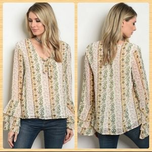 🆕️Boho Chic Blouse With Sleeve Detail
